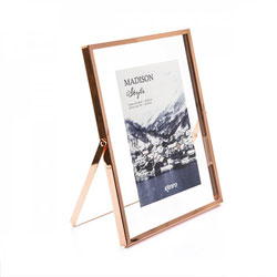 Kenro's Madison Style series Rose Gold feature a generous glass border to create the illusion of a photo floating in its frame.  Two sizes available.